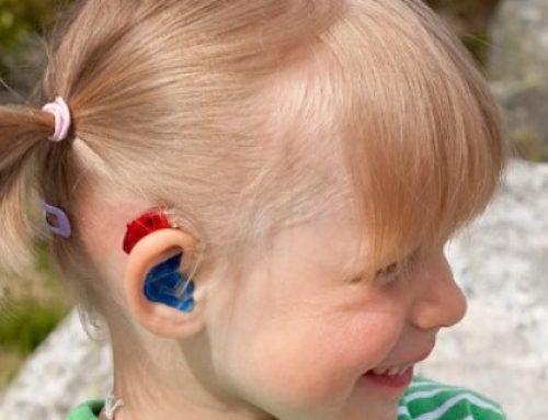 «Procedimiento de enfermería»: Seguridad del niño portador de audífono